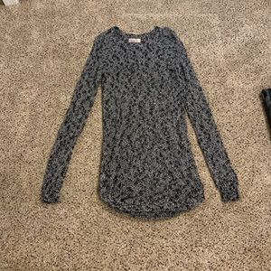 Juniors tunic sweater, size extra small